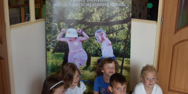 5. Dzieci przed roll-upem (fot. nj)